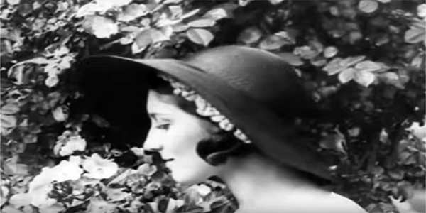 The Park In Paree - 1930's Fashion