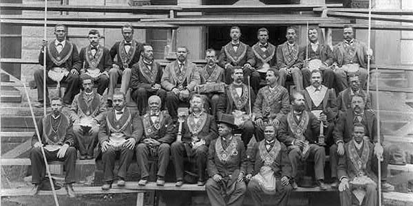 Those Mysterious Freemasons (And Other Fraternities)