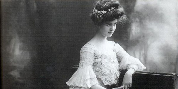 Fashion in the Early 1900s