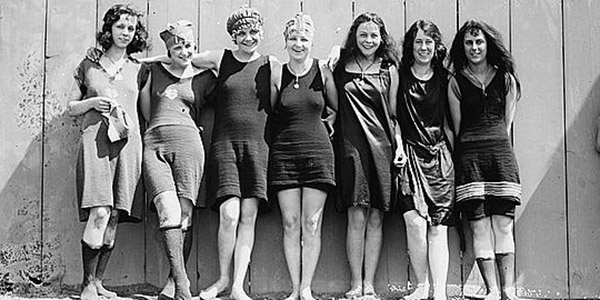10 Hot Summer Beach Fashions from 100 Years Ago