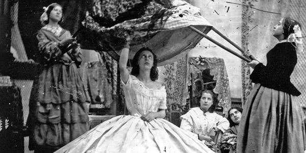 "Victorian ""Poofy"" Skirts - Meet the Crinoline"